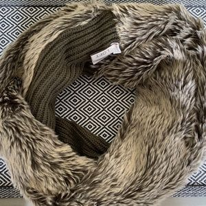 LOFT FAUX FUR AND KNIT INFINITY SCARF
